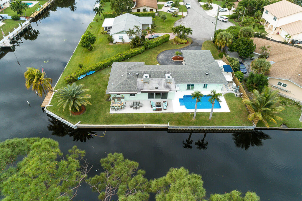 Lake Clarke Shores FL-USA Metal Roof Contractors of Lake Worth
